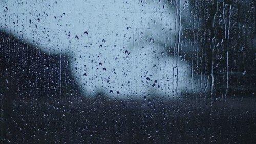 4k Raining Window